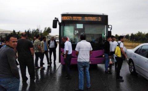 Avtobus sürücüsü sükan arxasında öldü - VİDEO