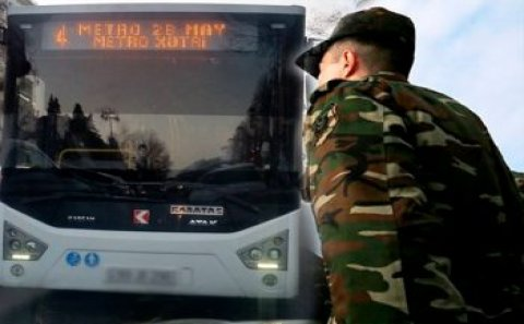 """Bakıda avtobus sürücüsü əsgəri təhqir etdi: """"Çəpişə oxşayırsan"""" – Foto"""
