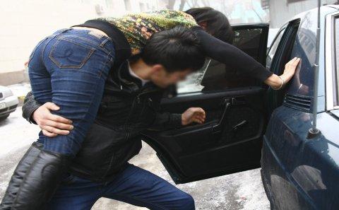 27 yaşlı gənc 3 nəfərlə birləşib bacısının baldızını OĞURLADI - Azərbaycanda ŞOK OLAY