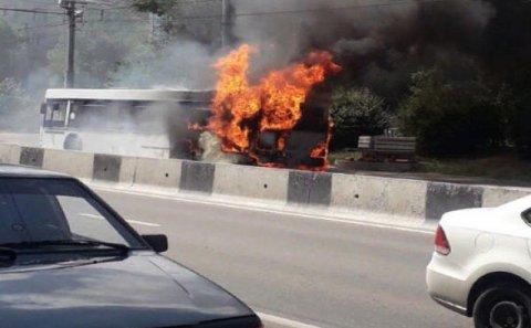 Azərbaycan vətəndaşlarını Kərbəla ziyarətinə aparan avtobus yanıb