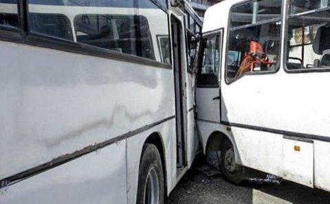 Bakıda sərnişin avtobusları toqquşdu