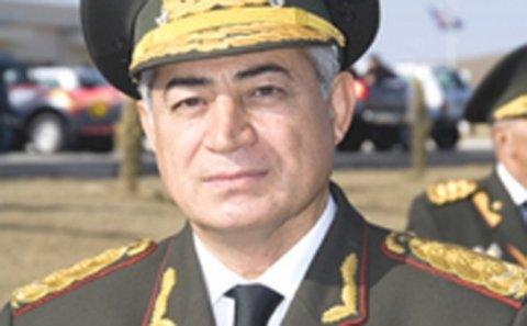 Prezidentin vəzifədən azad etdiyi məşhur general... - Dosye
