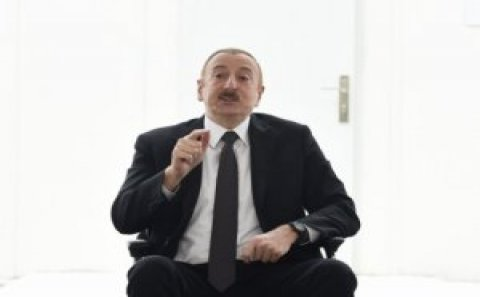 İlham Əliyev Vilyam Hacıyevin otağından çıxan kartlardan danışdı
