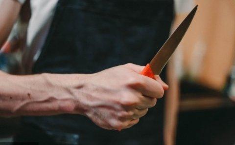 Ağdam rayonunda bıçaqlanma