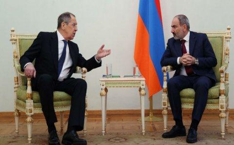 Lavrov Yerevana gəlir - Paşinyanla görüşəcək