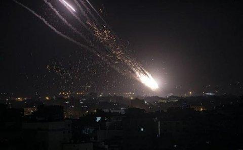 Qəzza zolağından İsrailə 200-dən çox raket atılıb - FOTO