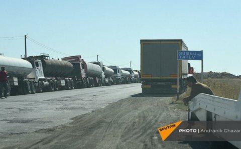 Gorus-Qafan yolu İran TIR-ları üçün BAĞLANDI