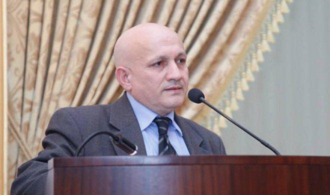 """Tarixçi alim Prezidentə SƏSLƏNDİ:  """"Azərbaycan tarixi""""i sıradan çıxarılır"""